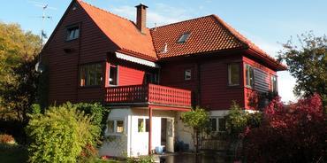 Huset på Eidsvåg er fra 1930 tallet og hadde oljetfyr